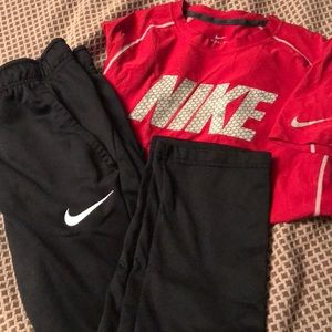 Nike youth large dry fit set